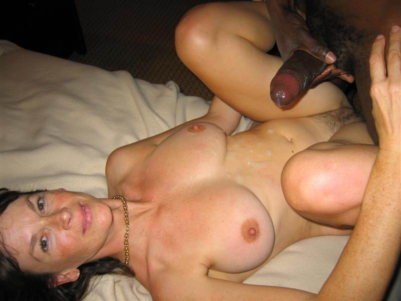 Ameteur wife giving blowjob